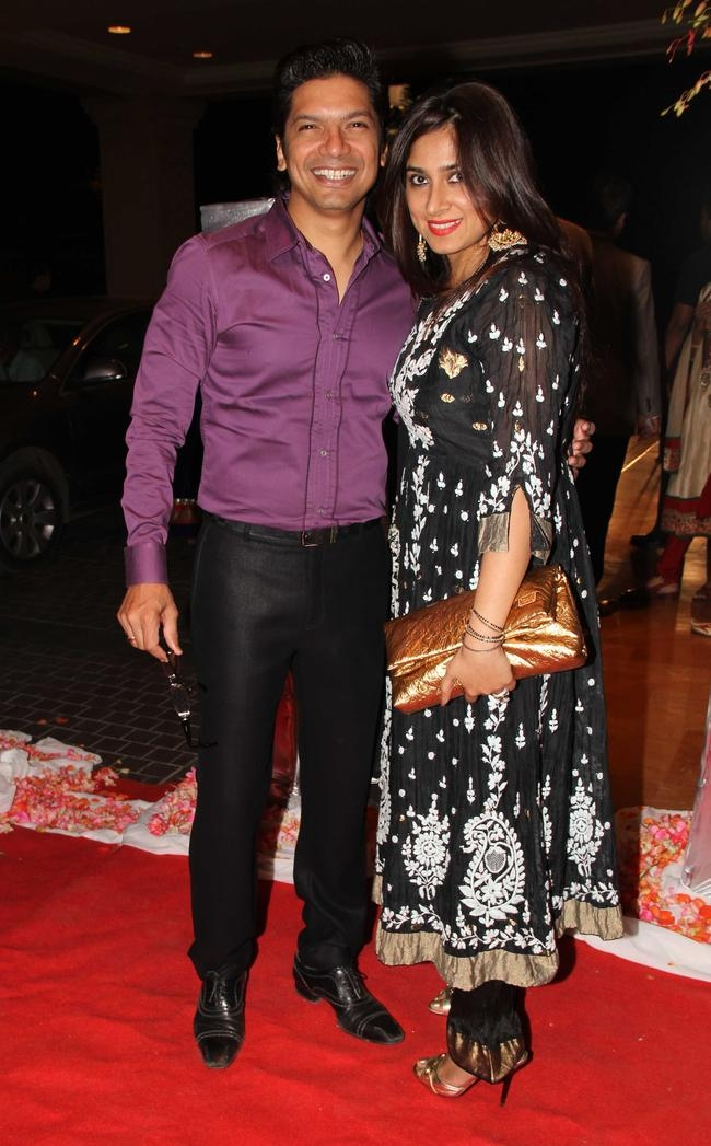 Shaan with wife