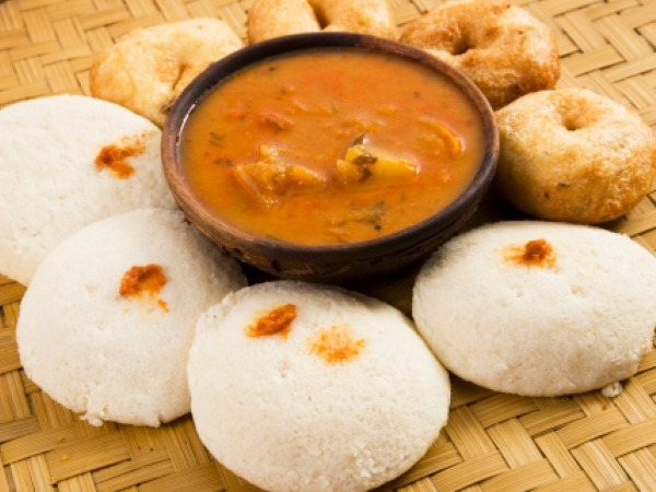Indian Cuisine: Eating Healthy at a Restaurant Snacks