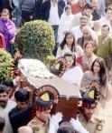 Moon Moon Sen, Raima Sen, Riya Sen at Suchitra Sen Funeral