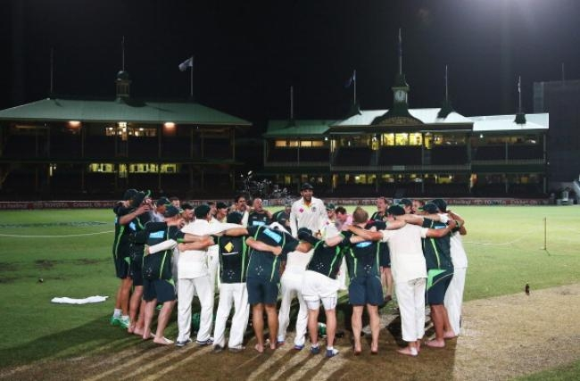 Australian Team Parties All Night at SCG