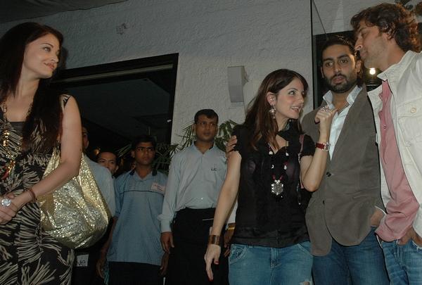 Aishwarya Rai, Sussanne, Abhishek Bachchan & Hrithik Roshan