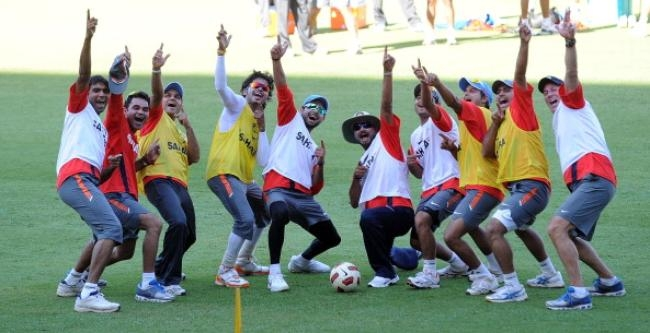(R-L) India cricket bowling coach Eric S