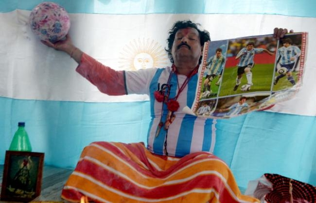 Hindu Priest Performs Rituals For Argentina