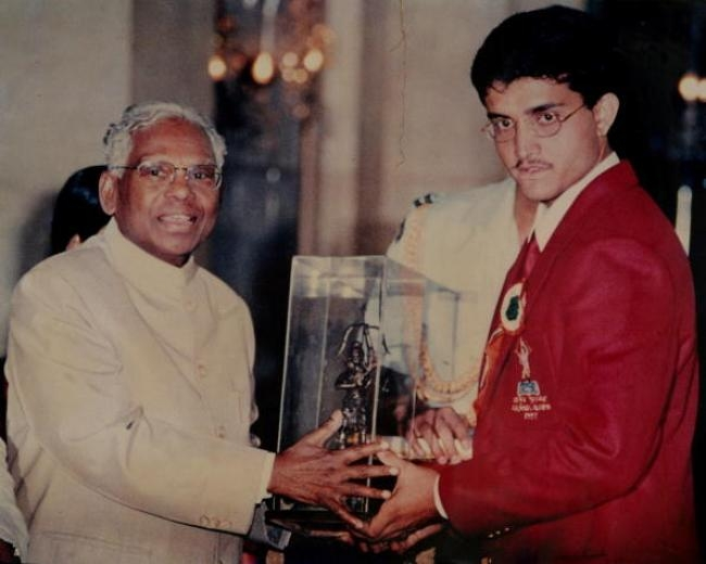 Indian Cricketer Sourav Ganguly receiving an Award from KR Narayanan, President of India ( Copy ) in Kolkata, West Bengal, India