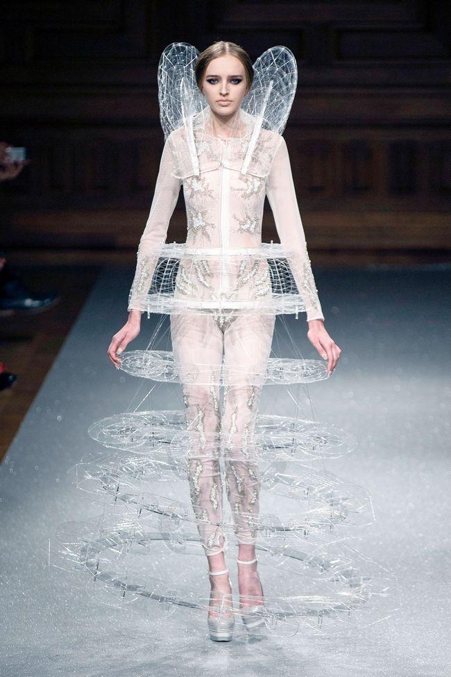 Oscar Carvallo - Runway - Paris Fashion Week Haute Couture F/W 2014/2015