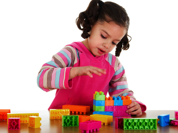 9 ways playtime can boost your kids 39 brain power for Energy games for kids