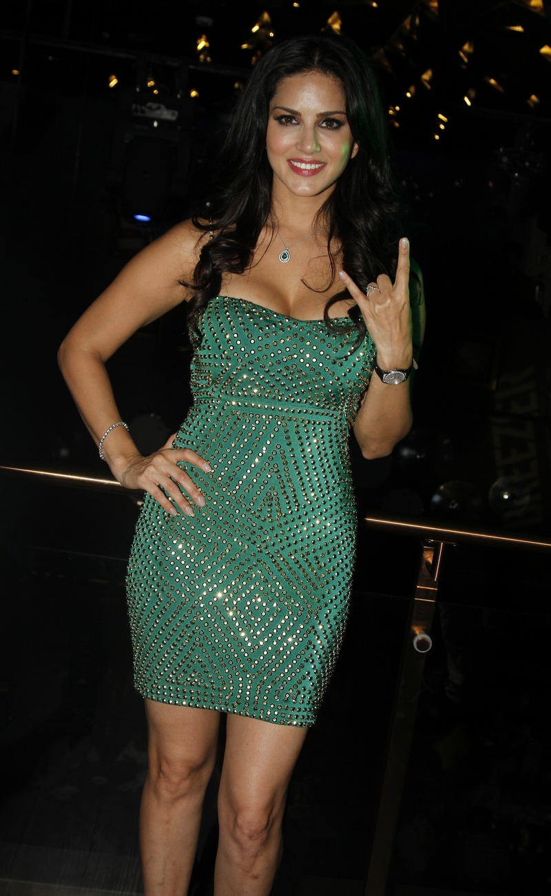 Sexy Sunny Leone Parties In Little Green Dress - Indiatimescom-6658