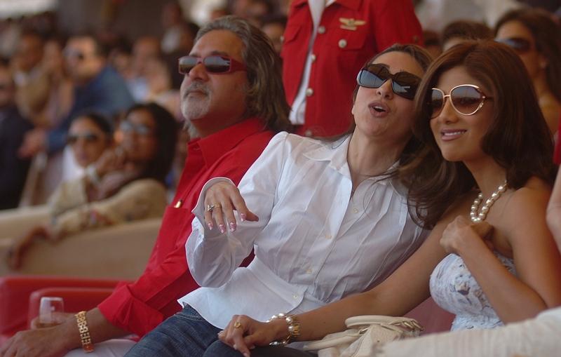 Karisma Kapoor with Shilpa Shetty and Vijay Mallya