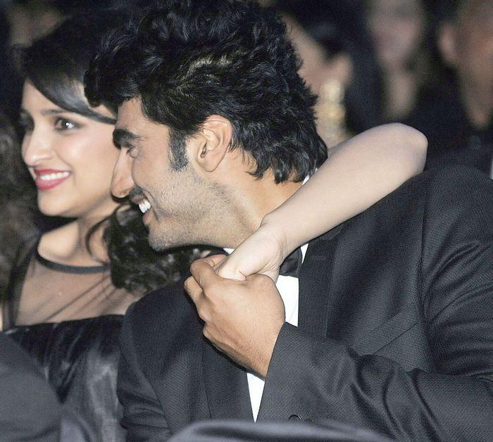 Arjun Kapoor and Parineeti Chopra at Filmfare awards