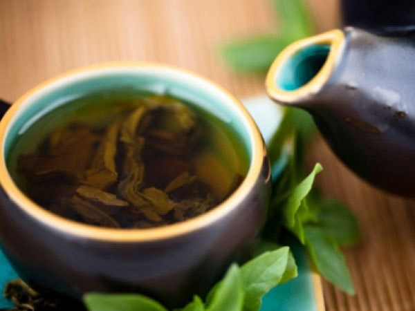 Green tea for odour removal