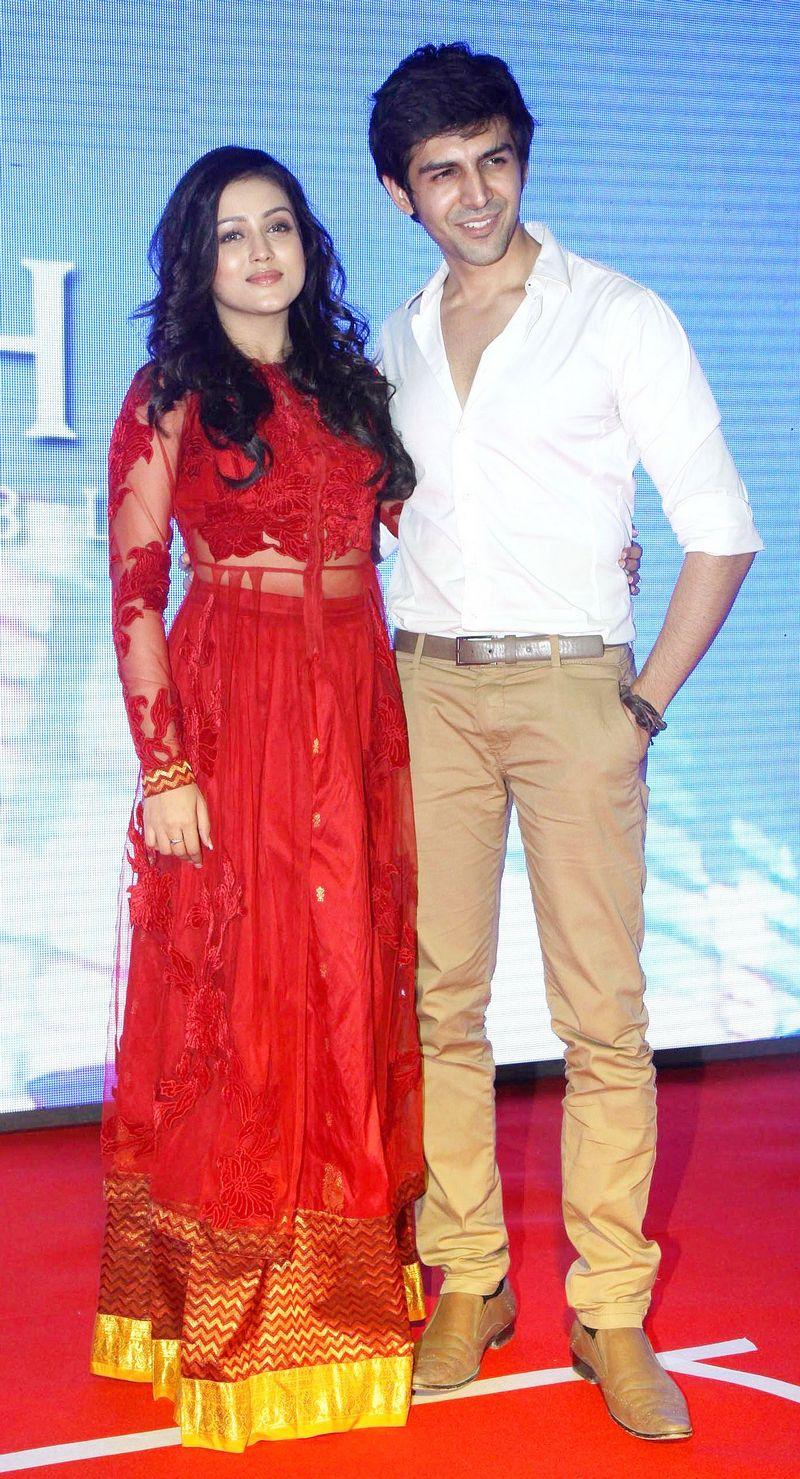 Mishti and Kartik Aaryan