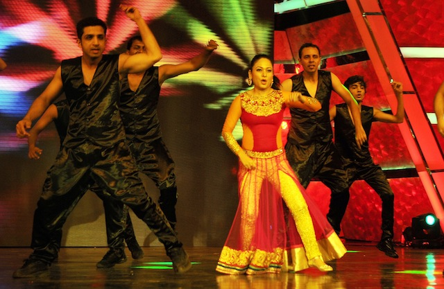 Assamese actress Zerifa Wahid performs during 1st Vivel Filmfare Awards 2013 (East) at Science City auditorium in Kolkata