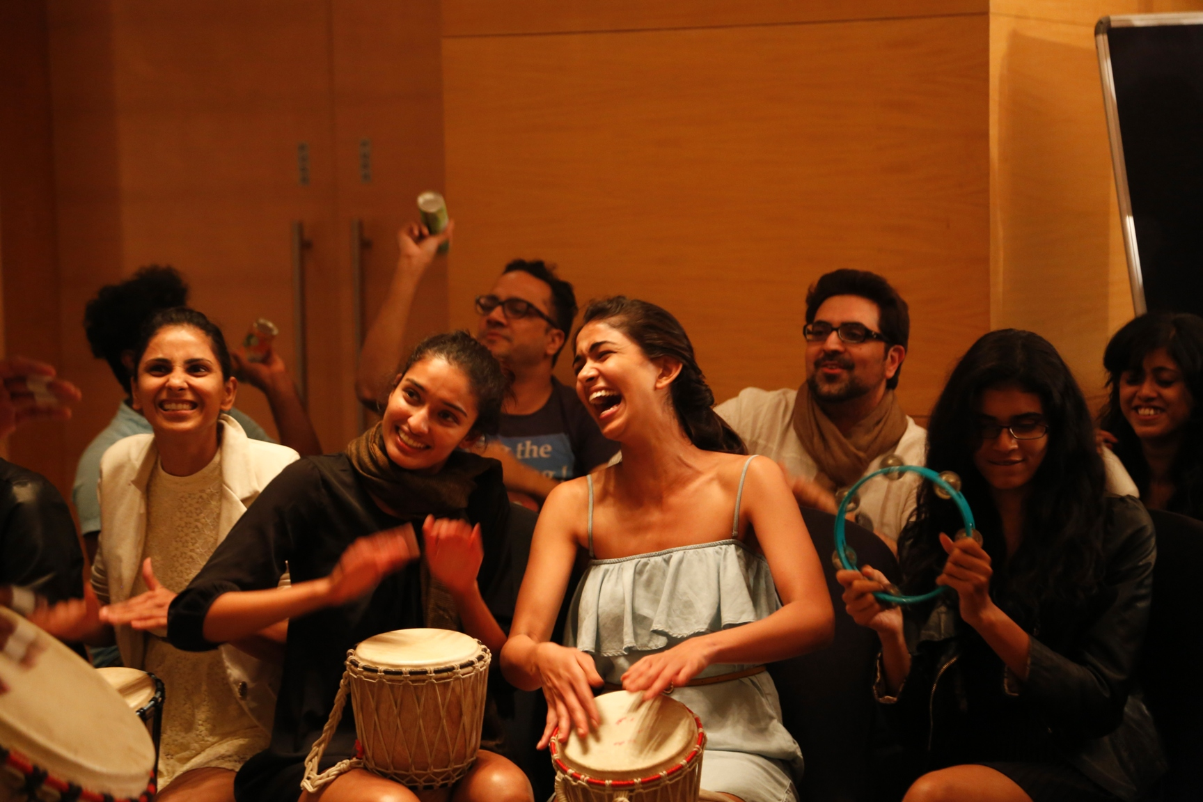Drum Circle, a recently introduced concept of Music Therapy aims to bond the body, mind and soul. It is a joyful celebration of rhythm, which is an extremely effective form of Music Therapy. Through the one hour session, the models, designers and others p
