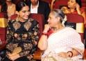 Sonam Kapoor with Jaya Bachchan during 1st Vivel Filmfare Awards 2013 (East) at Science City auditorium in Kolkata