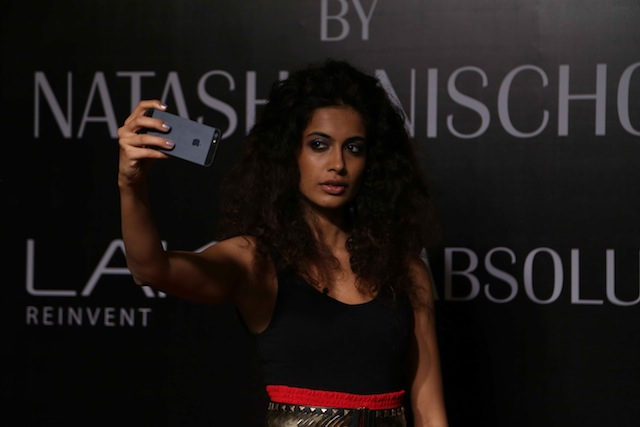 An informative makeup masterclass was conducted by Lakme Makeup Expert, Natasha Nischol at the Jabong Stage on day four during Lakme Fashion Week Summer/Resort 2014.