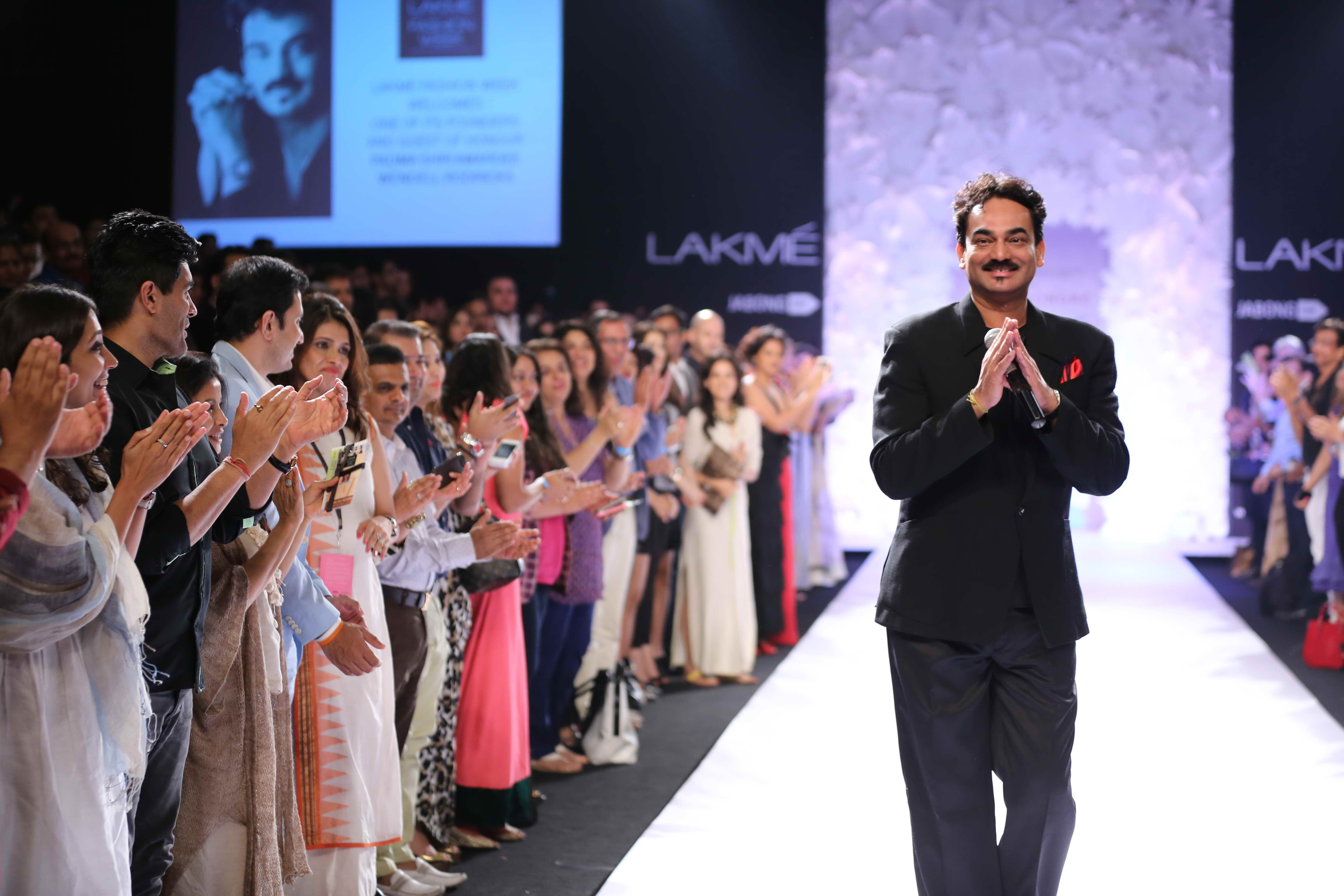 Wendell Rodricks, the Goa-based ace designer who has been named for the Padma Shri in the category of Art (fashion designing), was felicitated today, on day 3 of LFW SR 2014 to celebrate this great honour that has been bestowed upon him.