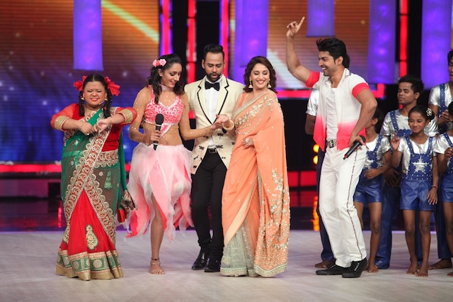 Madhuri with Subhreet, Gurmeet, Andy and Bharti on IGT finale
