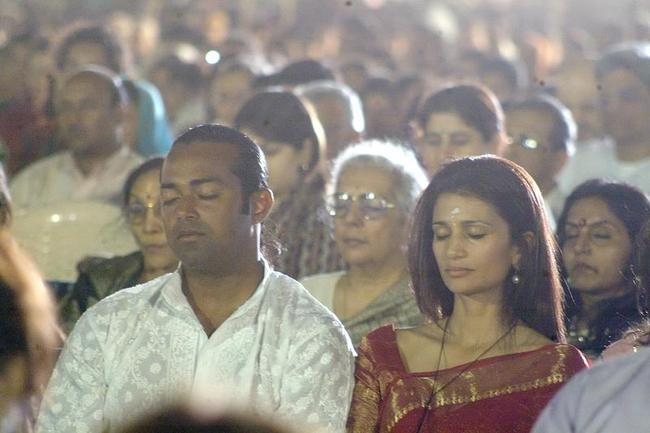 Paes-Rhea At The Art of Living Course in Mumbai