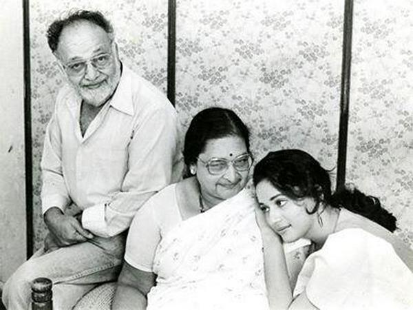 Madhuri Dixit-Nene with parents