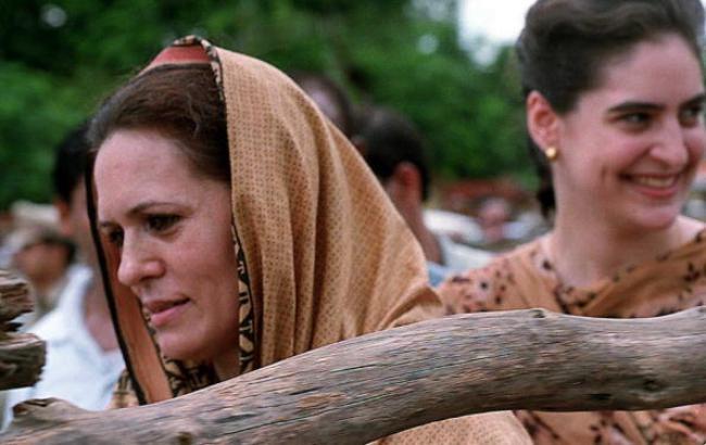 Sonia Gandhi and Priyanka Gandhi