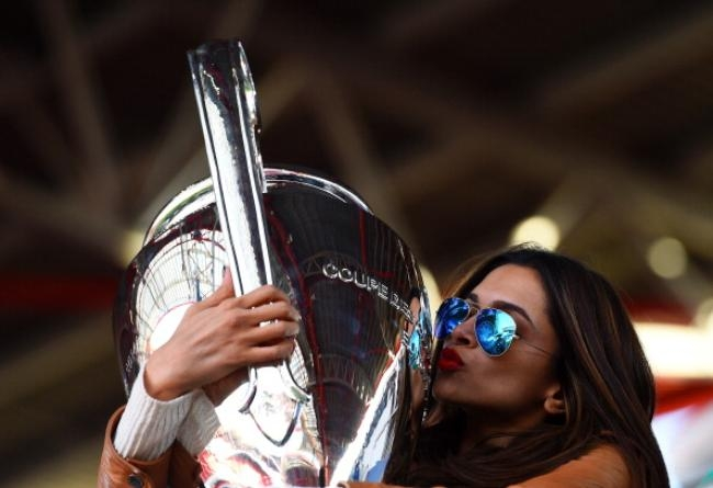 Deepika With Champions League Trophy