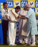Narendra Modi Felicitates Sachin Tendulkar