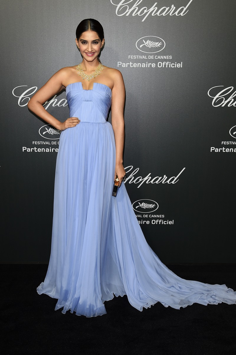 cannes 2014: sonam kapoor bedazzles in blue at chopard after-party