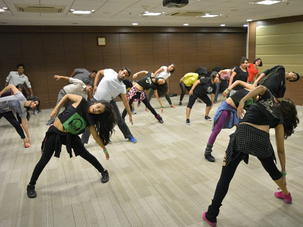 Street Jazz Dance Moves HealthMeUp's ...