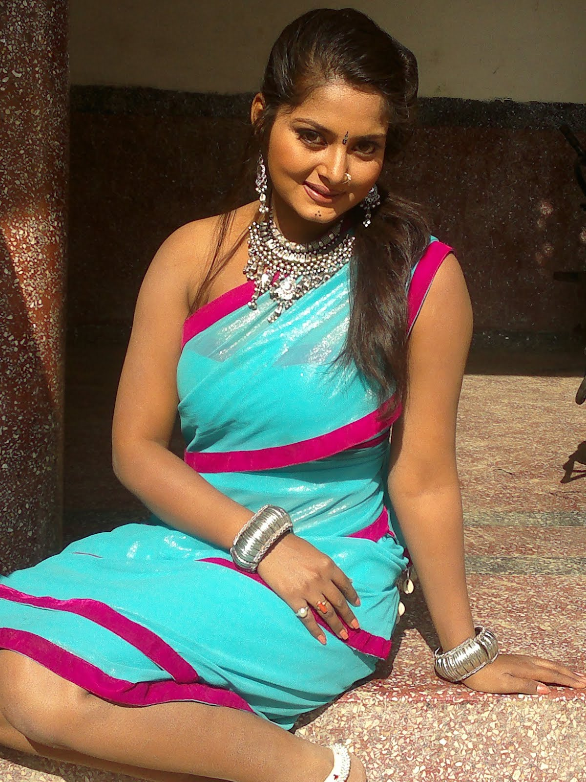 bhojpuri hot amp sexy photos of actresses   images pictures